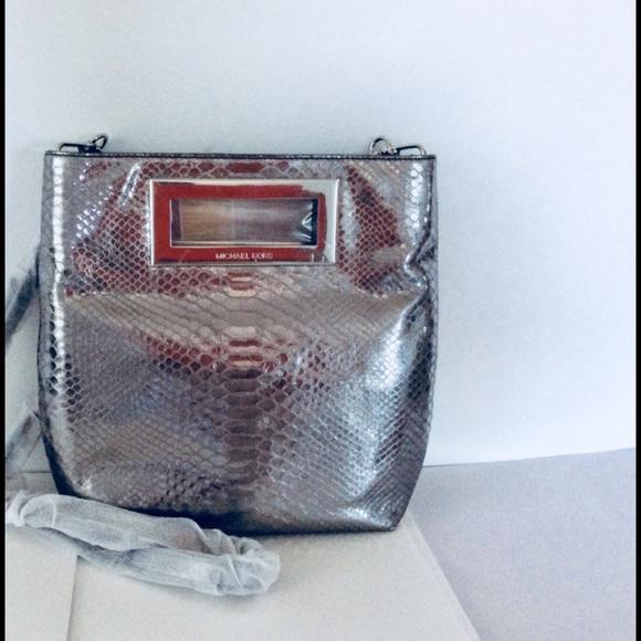 83d2344598ce94 MICHAEL Michael Kors Bags | Michael Kors Berkley Md Messenger Bag ...